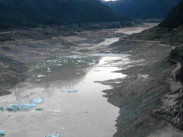 Lago Cachet 2 en unos de sus vaciamientos en 2008 (Foto www.glaciologia.cl)