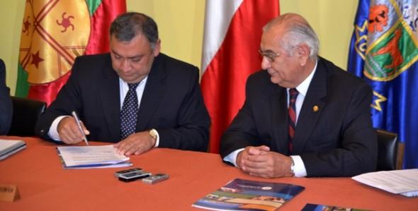 Municipalidad de Coyhaique y Universidad de Magallanes firman .