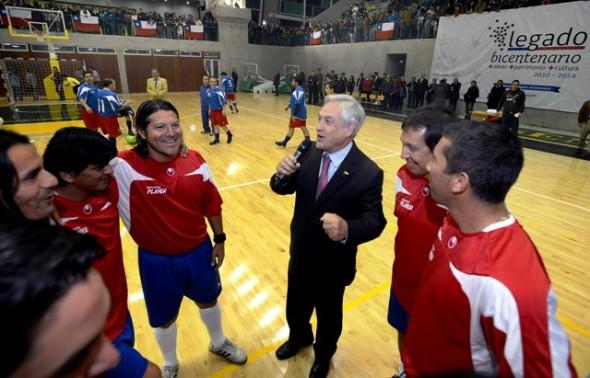 Piñera inauguró Polideportivo