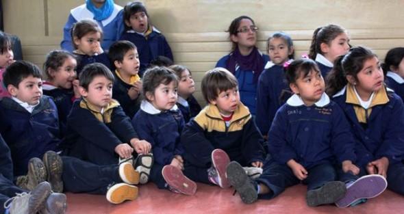 Niños del Colegio Diego Portales