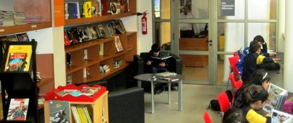 Sección juvenil de la Biblioteca Regional Coyhaique