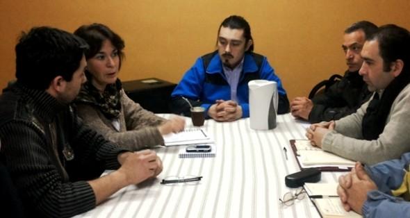 Viviana Betancourt junto a dirigentes de los trabajadores publicos Aysén