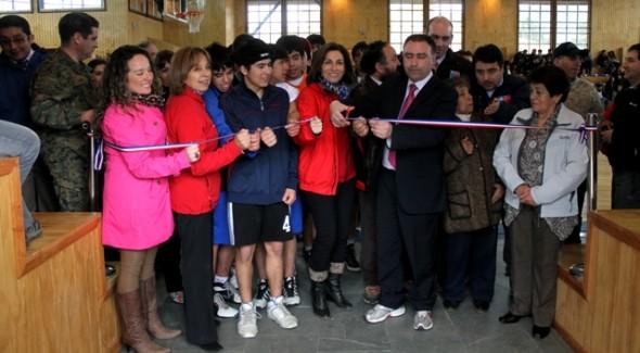 Cochrane festejo nuevo gimnasio para la comuna