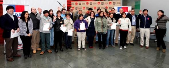 Quince microempresarios de Aysén reciben certificación de calidad tras participar en capacitación de Indap y Unimarc
