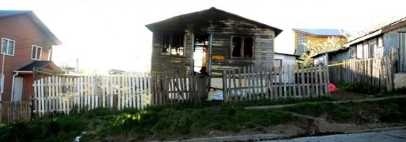 Carabineros de Coyhaique rescató con vida a 6 personas desde inmueble en llamas