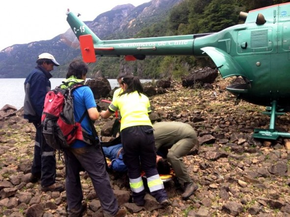 Rescate aereo en Lago Caro