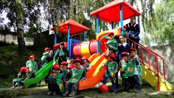Fundación integra implementó juegos de patio en Jardines Infantiles
