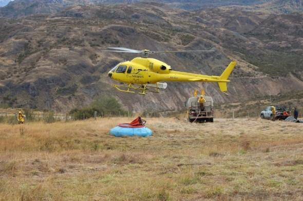 Helicoptero Onemi en Incendio Cochrane