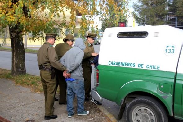 Carabineros de Coyhaique frustró robo a empresa Tur Bus y detuvo a 2 sujetos