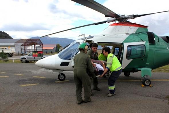 Sección Aérea de Carabineros trasladó de urgencia a paciente desde Chile Chico a Coyhaique