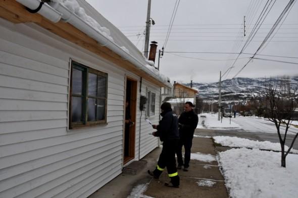 Cuerpo de Bomberos y Municipalidad de Cochrane hicieron un llamado a la prevención durante este  invierno