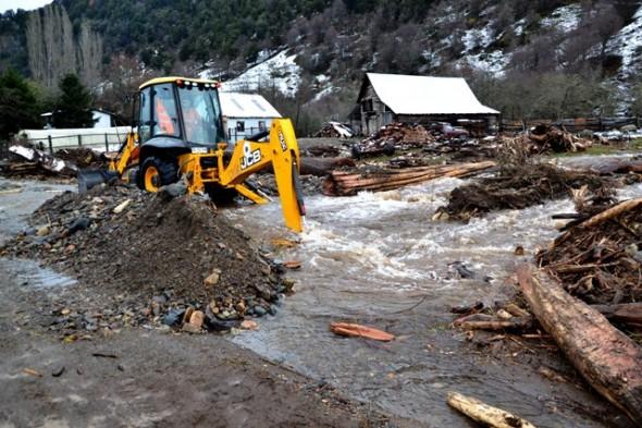 trabajo en terreno lluvias en Coyhaique 1
