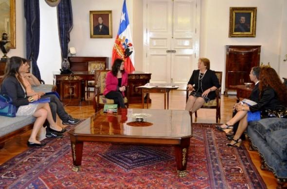 Colegio Periodistas y Bachelet 2