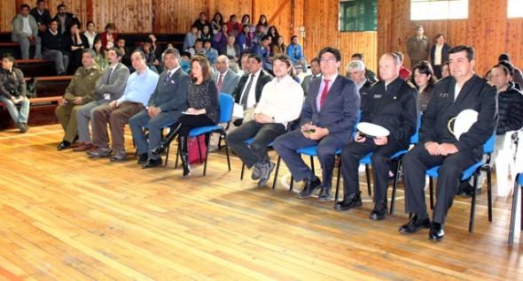 Subsecretario Huichalaf en Tortel comunidad