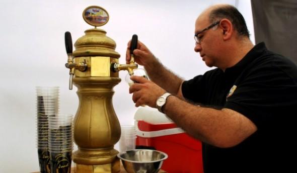 Eduardo Campos de cerveza Joost