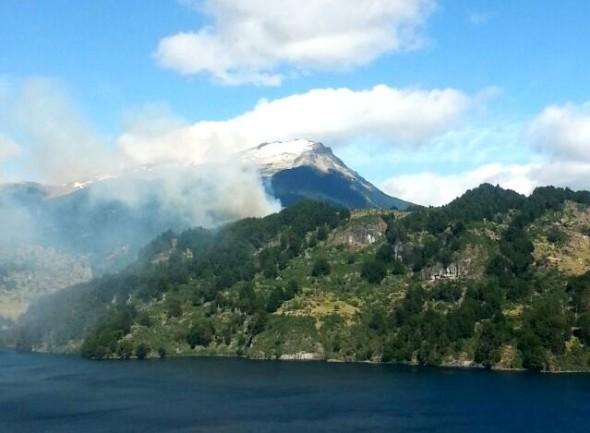 Incendio Lago Elizalde vista aerea Conaf 2