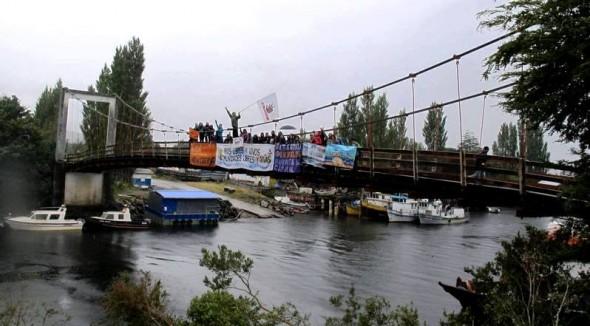 Manifestacion contra Energia Austral - Puente Los Palos 3