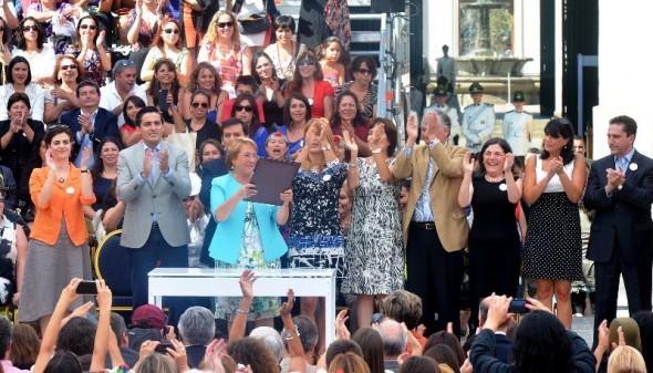 Ministerio de la Mujer Bachelet promulgacion