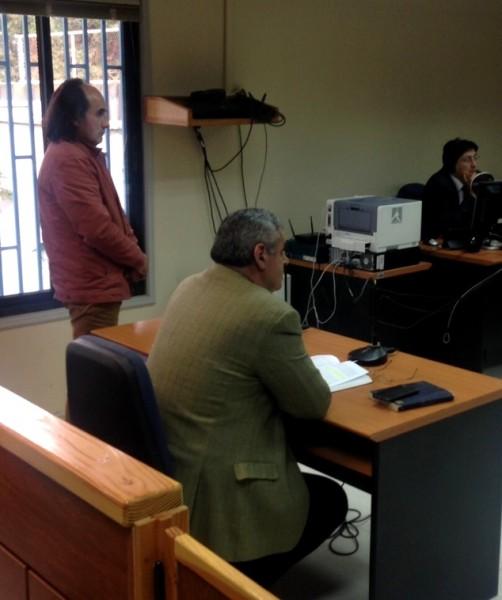 Luperciano escuchando veredicto absolutorio
