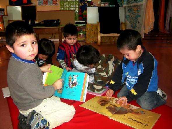 niños cuadernos