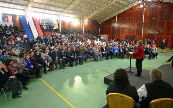 Bachelet encuentro Castillo Nota
