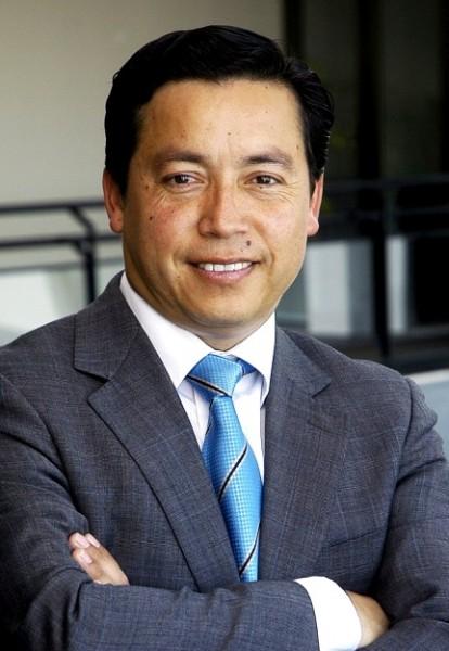 Hugo Moraga Flores Col