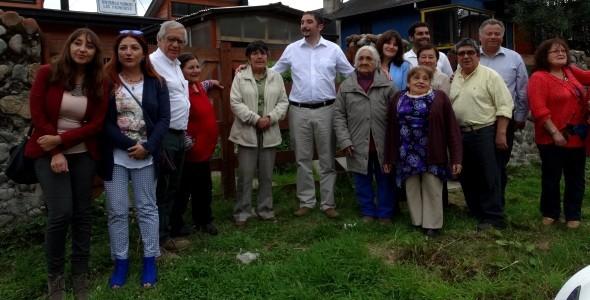 Reunión con adultos mayores en Puerto Cisnes