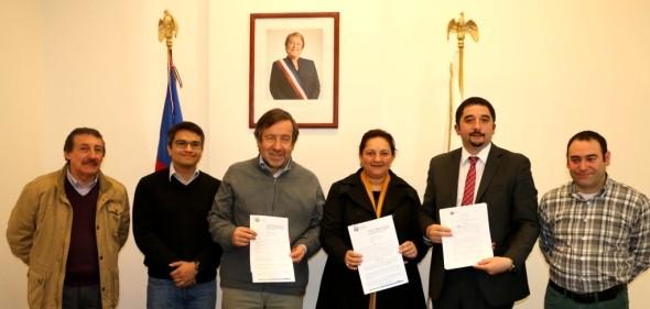 Firman convenio que asigna los recursos para diseño de Hospital de Chile Chico y tercer Cesfam de Coyhaique