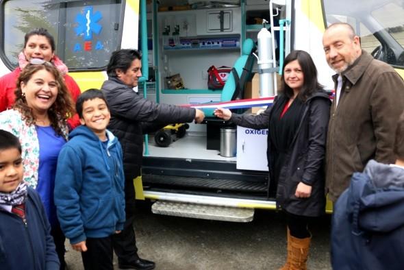 entrega-ambulancia-puyuhuapi