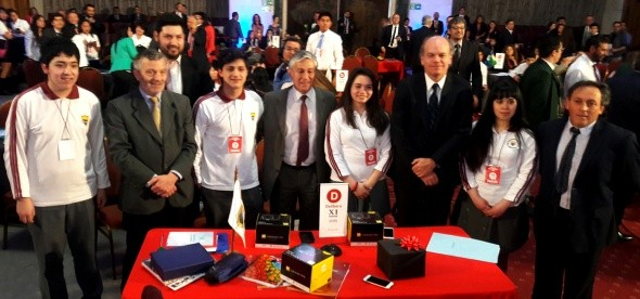 senador-patricio-walker-valoro-tercer-lugar-obtenido-por-estudiantes-de-liceo-san-jose-ur-de-puerto-aysen-en-torneo-delibera